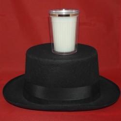 Mælkeglas gennem hat