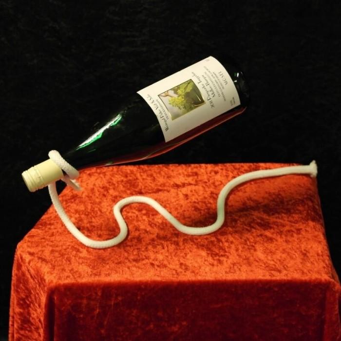 Svævende Flaske